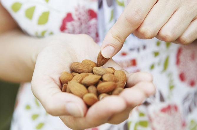 8 Energy Boosting Snacks